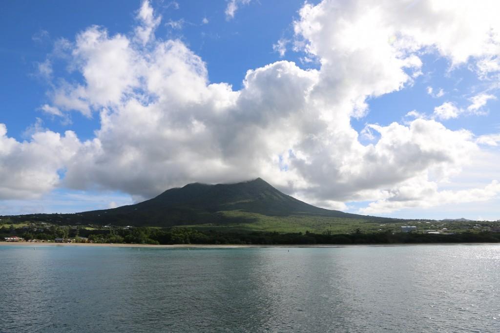 Auch Nevis hat einen Vulkan. Der ist aber, wie so vieles hier, harmlos