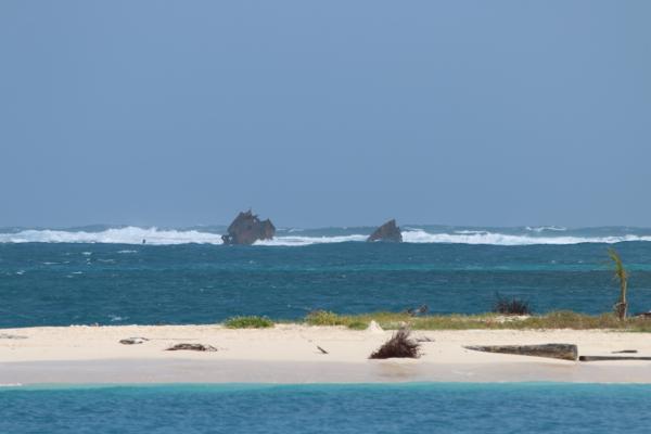 Nicht alle schaffen die Navigation um die Riffe in San Blas