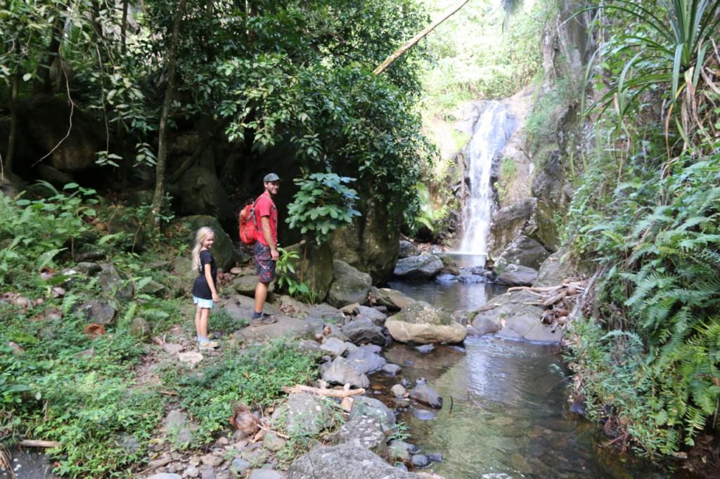 Unsere Wanderung zum Wasserfall von Ua Pou