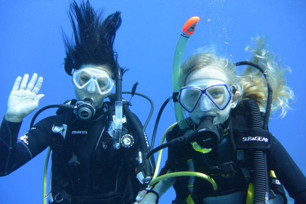 Happy Diver-Girls