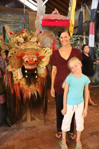 Rate mal, wer Lust auf Touri-Fotos hat. Aber wer kann den fröhlichen Borong widerstehen?