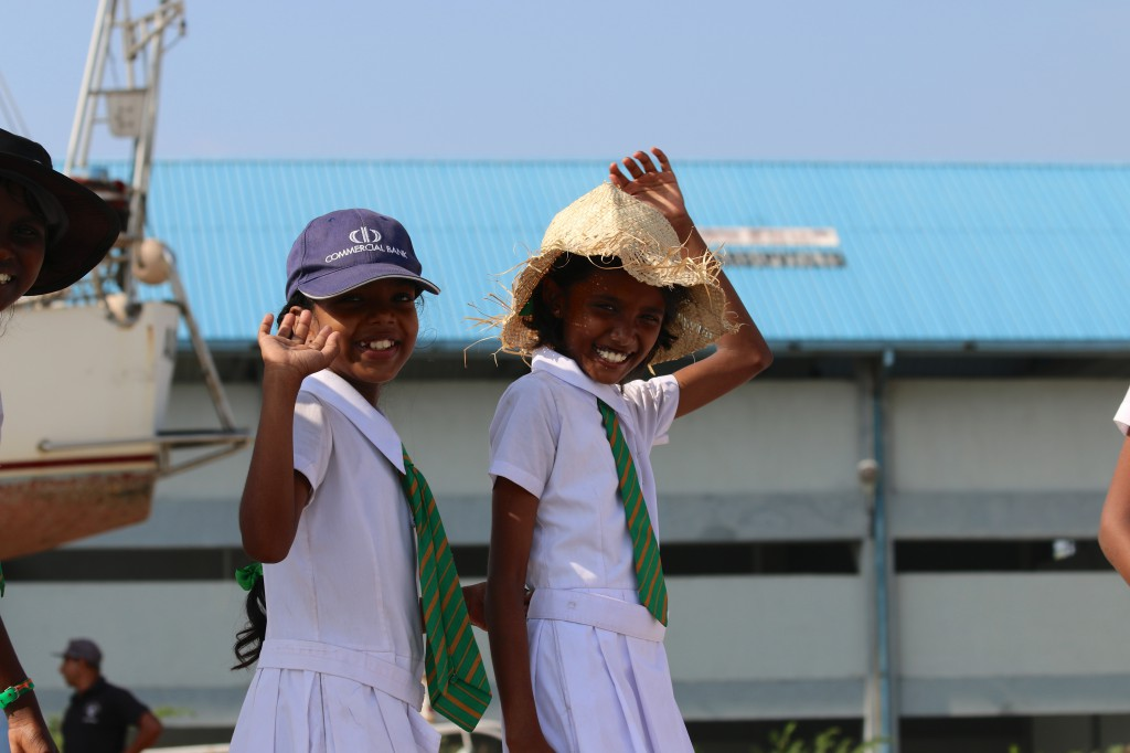 All smiles: Die Kids sind klasse in Sri Lanka