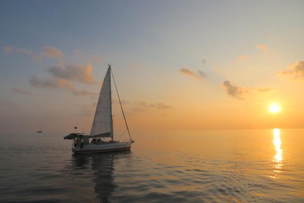 Flaute auf dem Indik, etwas östlich der Malediven