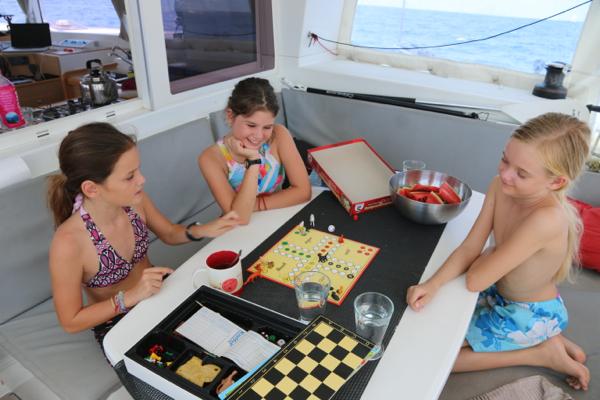 Besuch auf dem Ozean: Zeitweilig kommen Luna und Nika zum Spielen