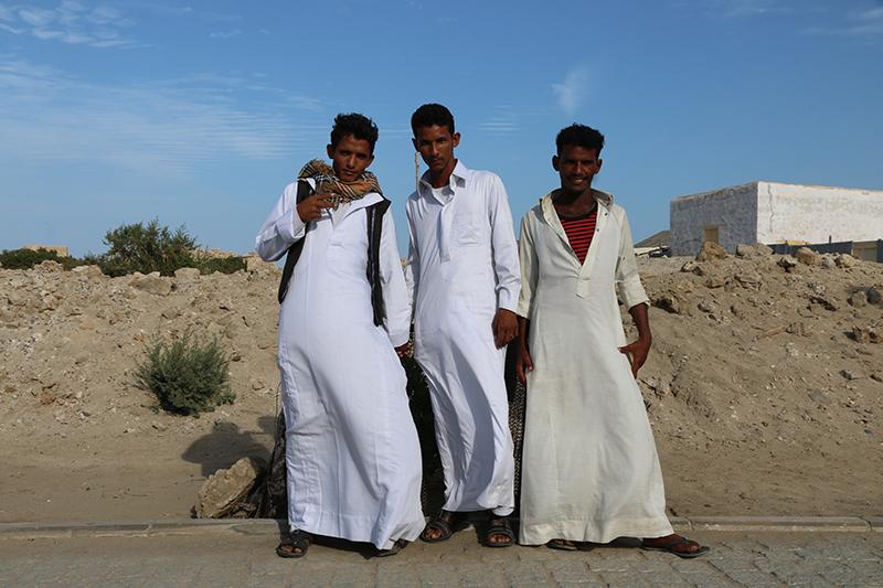 Die drei Jungs sind zu Besuch aus Khartoum