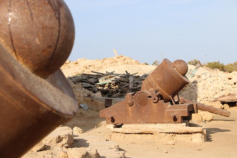 Einige Mörser vor dem alten Militärposten zeugen von früherer Wehrhaftigkeit; Suakin war auch ein Schauplatz des Mahdi-Aufstandes