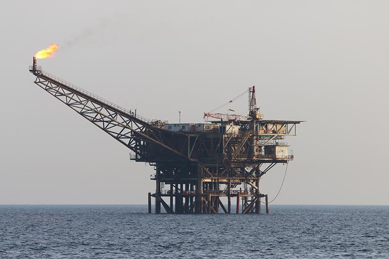 Neben der Militärhilfe die größte Einnahmequelle Ägyptens: Öl- und Gasquellen. Der Tourismus ist tot.