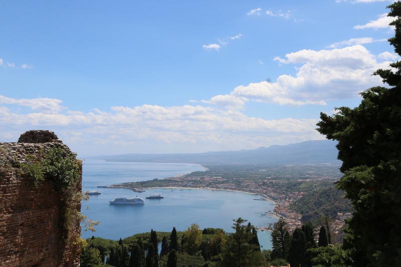 Und der gleiche Blick in die andere Richtung. Sizilien ist einfach wunderbar.