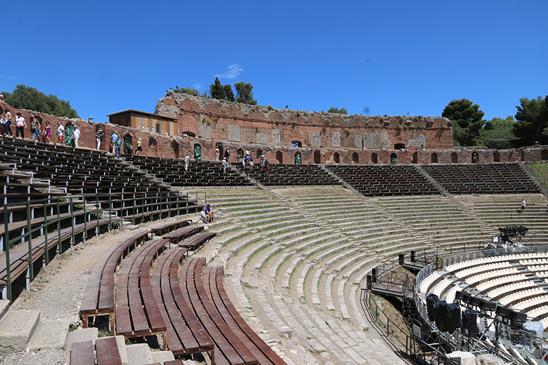 Taorminas gut erhaltenes Amphi-Theater.
